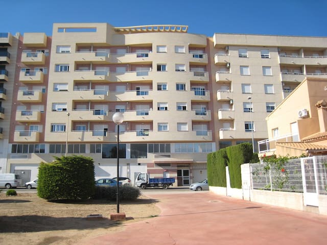 Apartment just 2 km from the Playa de Oliva.