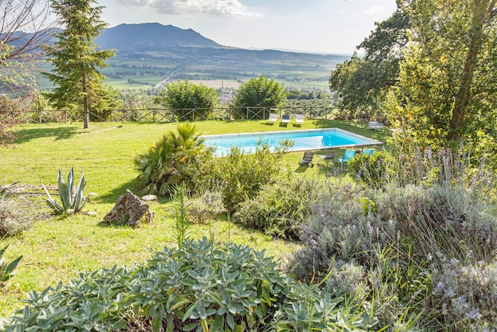 Il Campaniletto Splendid Villa  with pool nearRome