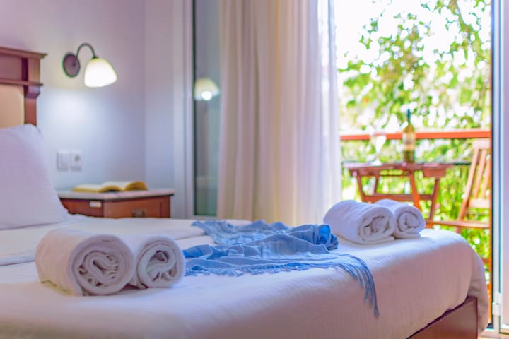 Bed & Breakfast in Ormos Marathokampos