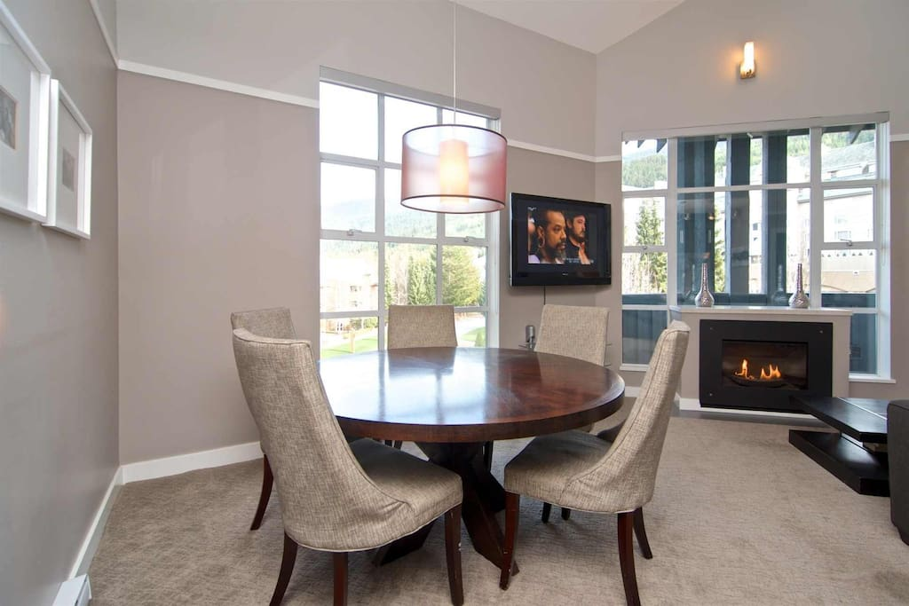 Full size modern dining table