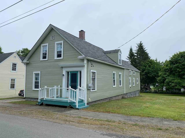 Rossport by the Sea Downtown Eastport • 14 3rd st.