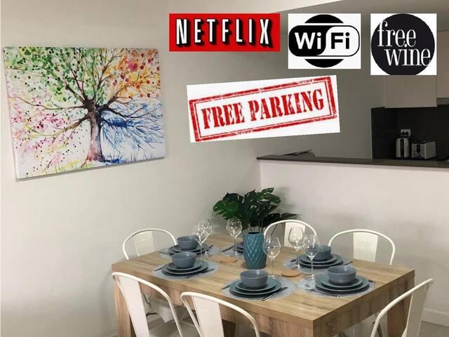 2 Bed Apt Parramatta+WIFI+Netflix+Parking+Wine