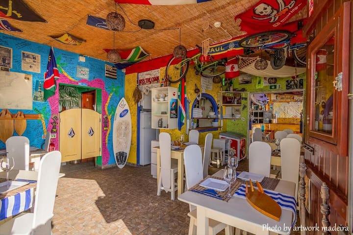 Maktub Restaurante / Bar