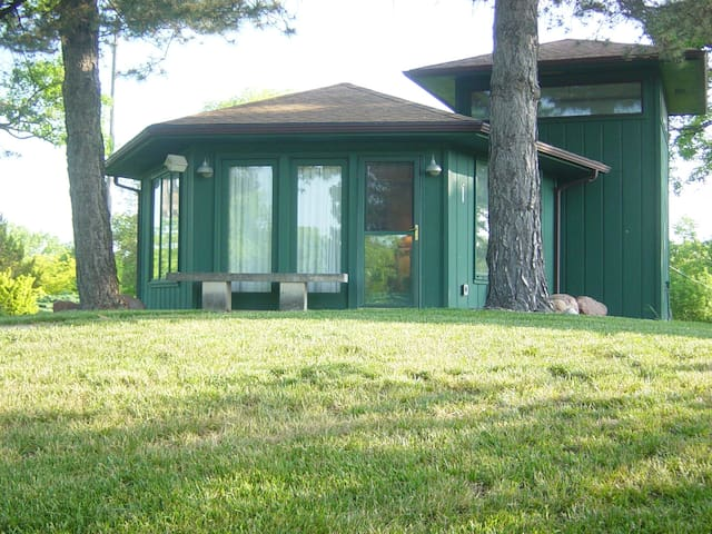 Private Gardens, cottage