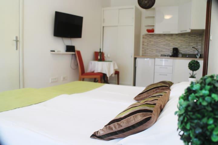 Apartments Versus- Studio with Terrace
