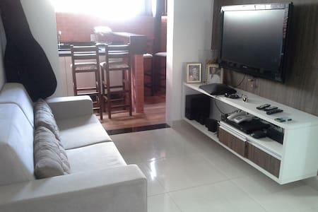 Apartamento todo aconchegante , a 100 mts da praia - Serra