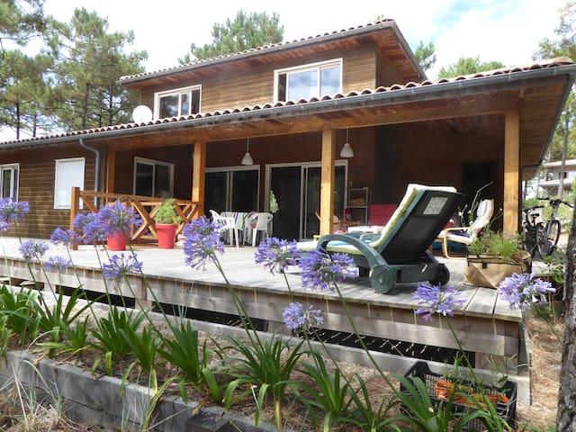 Villa en bordure de l'Océan et de la Forêt