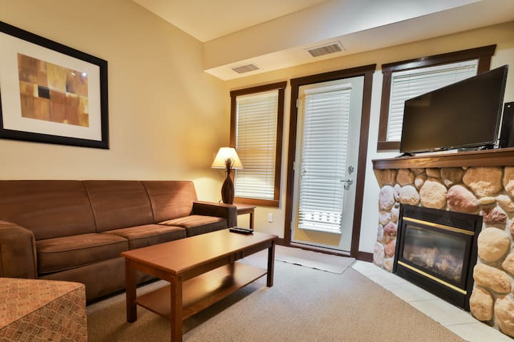 Luxury and Comfort King Suite
