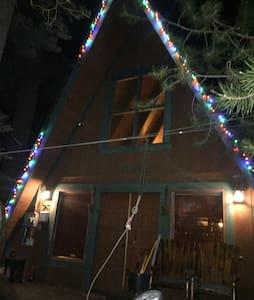 Beautiful mountain A-Frame home - South Lake Tahoe