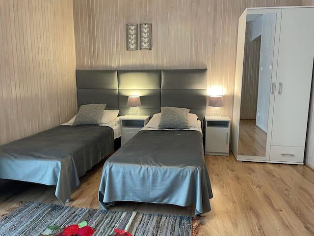 ZAKO-LODGE, pokój twin z łazienką, balkon, widok
