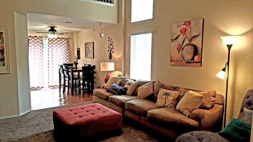 Charming, modern NW Austin/Lake Travis  3 bedrooms