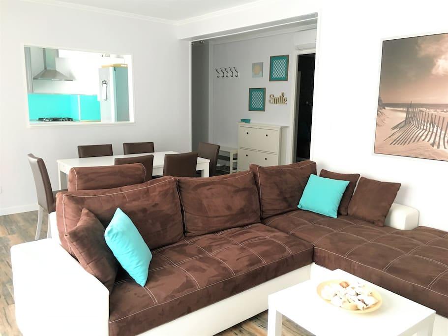 appartement avec draps wifi clim appartements louer saint rapha l provence alpes c te d. Black Bedroom Furniture Sets. Home Design Ideas