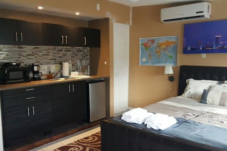 Pvt Studio near Hardrock & Beaches - Hollywood - Apartamento