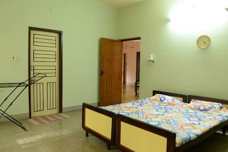 Private Room for single travellers - Mangaluru