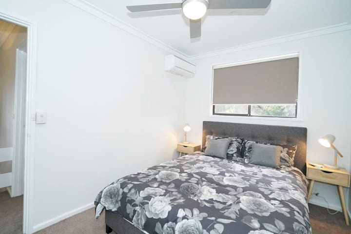 Relax in Leederville with FREE parking & WIFI