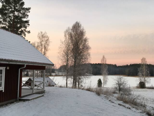 Countryside cottage close to both city and nature - Karlstad - Sommerhus/hytte