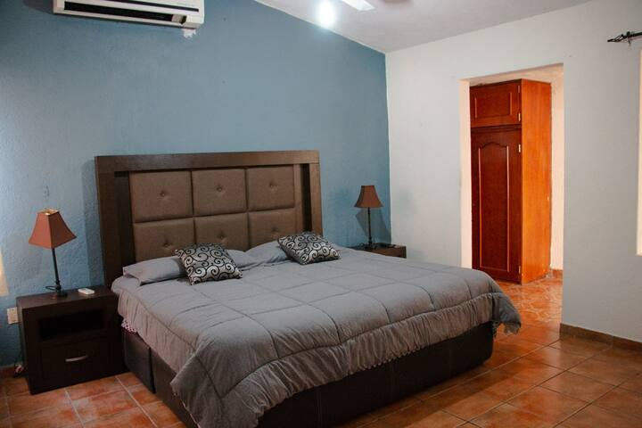 Queen Private Room / Casa Verde