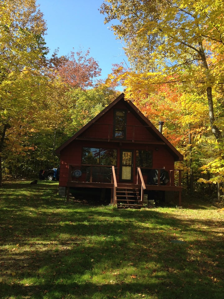 Cute Waterfront Cottage, Kagawong, Manitoulin