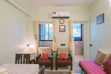 Cozy 1 BHK next to Siddhivinayak in Prabhadevi!
