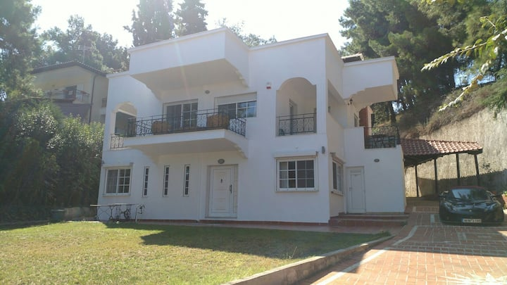 Villa Maira, 150m to beach, 15 min to Thessaloniki