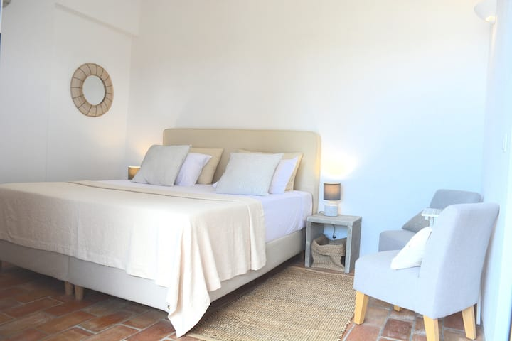 Cosy room 1 with terrace in B&B Quinta Luz do Sol
