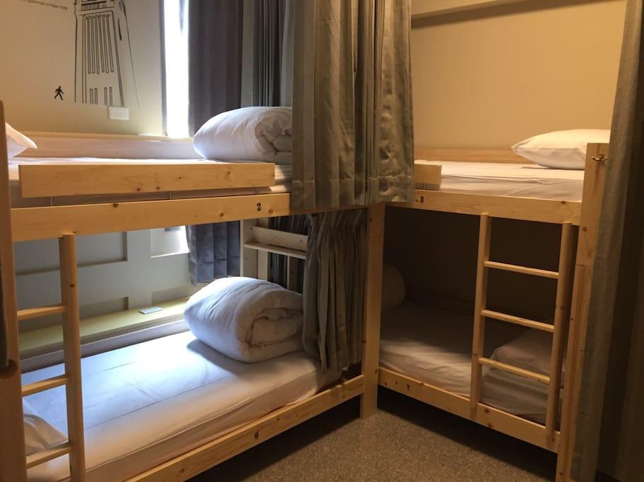 6人男生宿舍照片