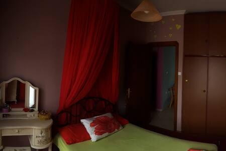 Colourful- near center-positive energy - Neapoli - Apartment