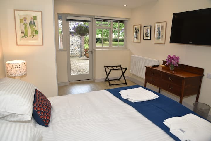 Charming Double / Twin room in Luxury Suffolk B&B