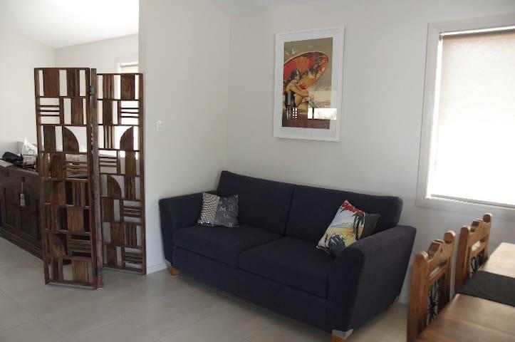 Extra Lounge upstairs