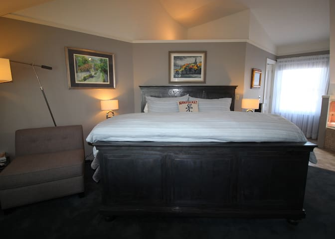 Nantucket Whale Inn - Nantucket Suite