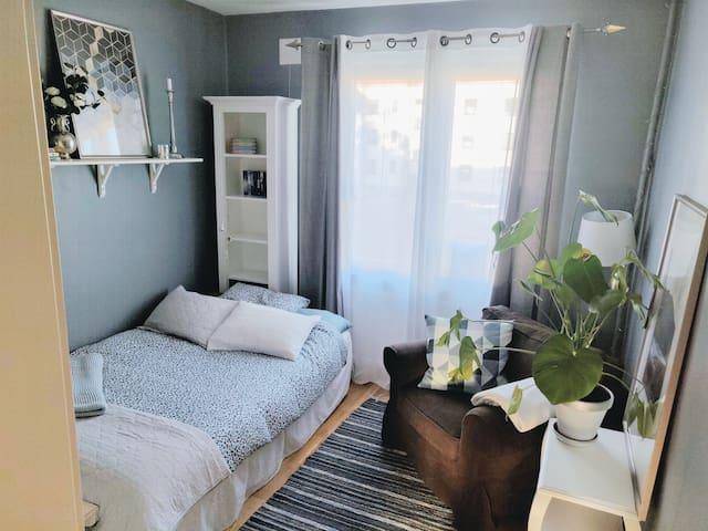Quiet room in a calm area