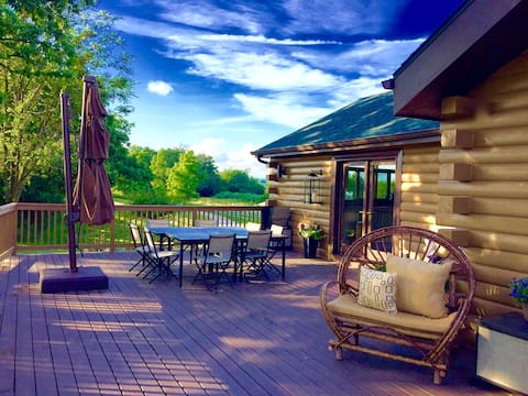 The Retreat: 5 Acre Log Cabin