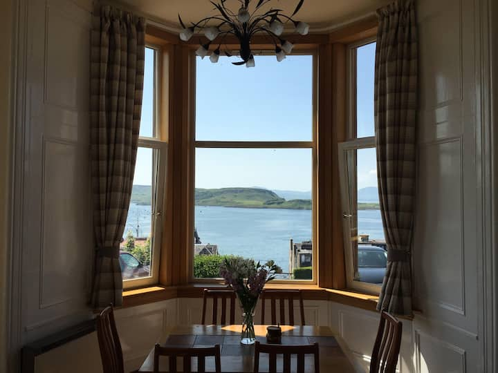 Oban Panoramic Victorian Style Apartment
