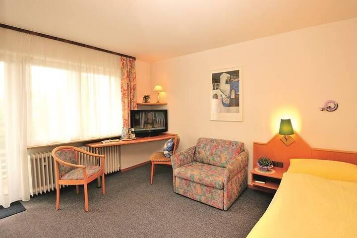 Hotel Pension Heidi, (Dobel), Einzelzimmer mit Dusche/Bad