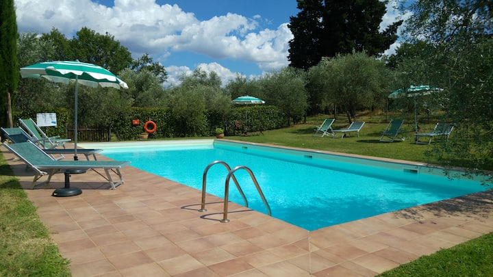 Agriturismo with swimming pool apartment ITALO