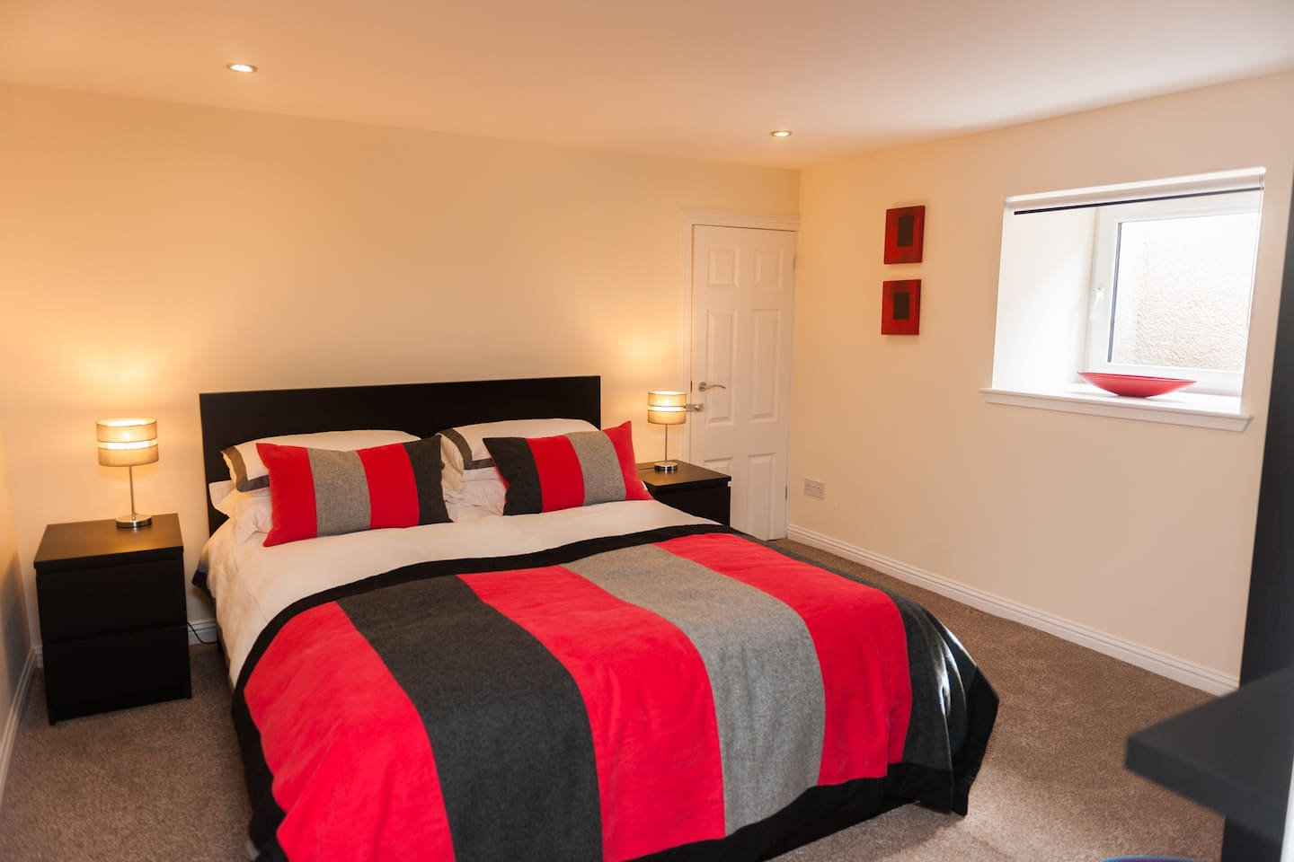 Wyvis Apartment  Opposite Inverness  Castle Fully Self-Contained Apartment  King Size Bed  All Home Comforts:- We've Got Them Covered.