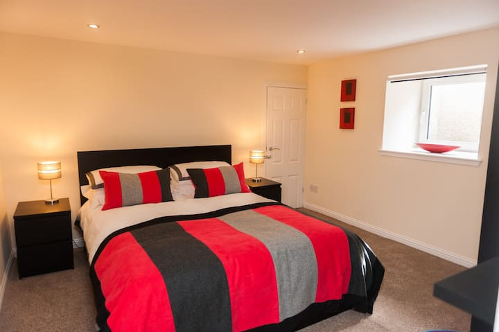 WYVIS APARTMENT: GARDEN CASTLE VIEW & Free Parking