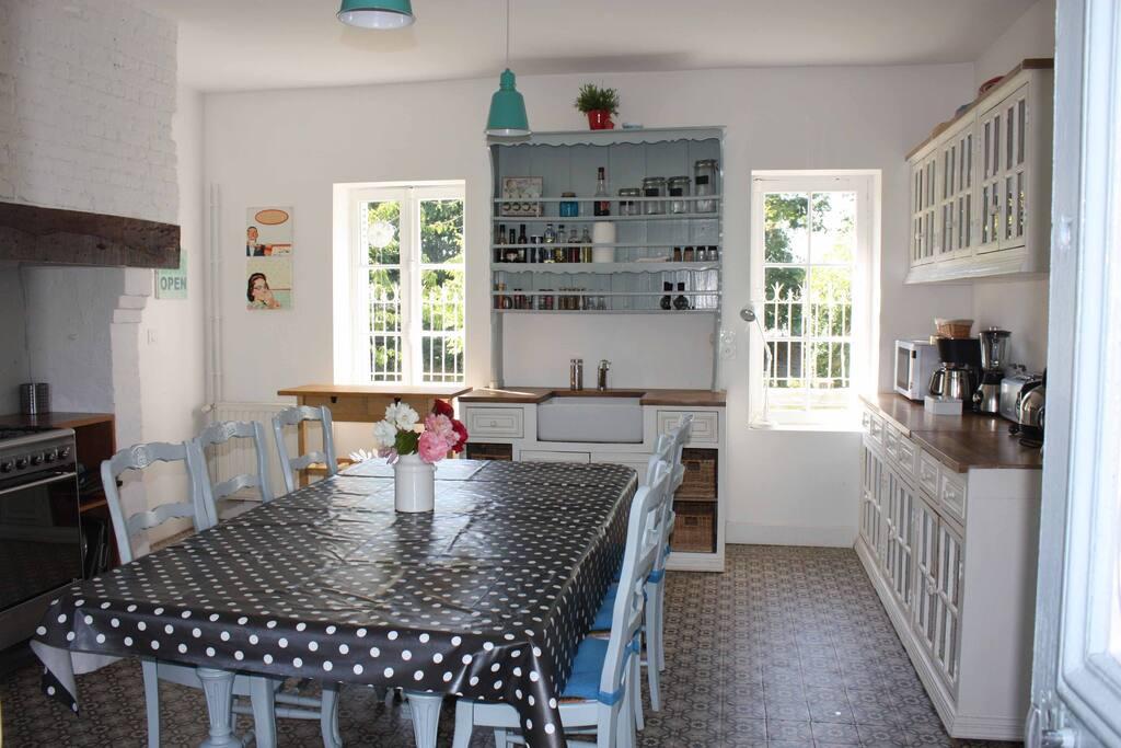 Pièce centrale  La cuisine - salle à manger
