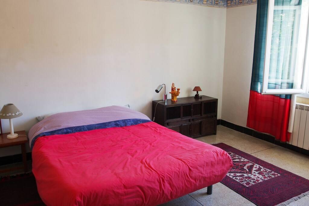 chambre avec lit 2 places