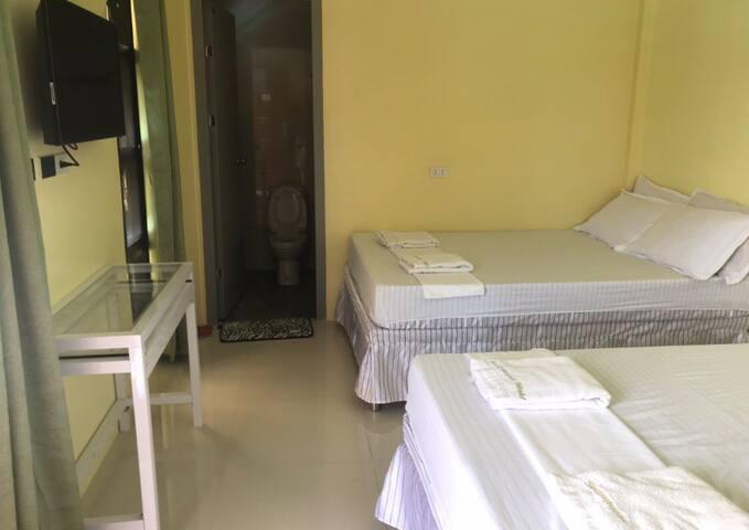 Agoo Swimmers World Resort ( Bed & Breakfast )