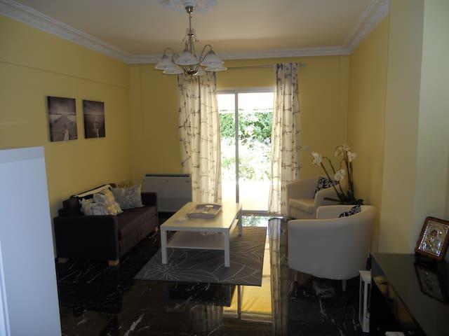 Relaxing updated apartment near RhodesTown!