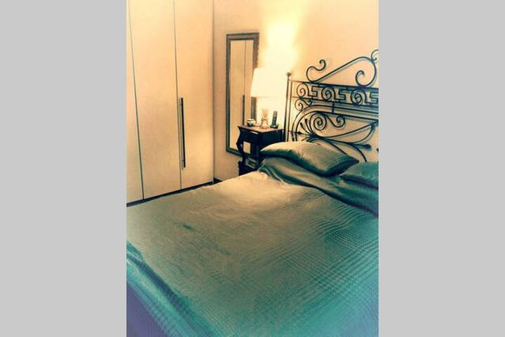 Double room in centre - Messina - House
