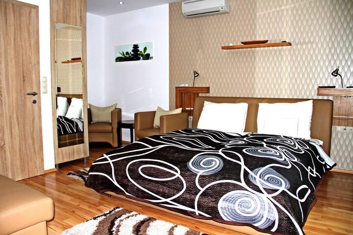 Komfort stúdió apartman erkéllyel