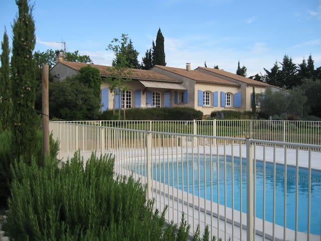 Villa provençale, campagne, calme - Sérignan-du-Comtat - Haus