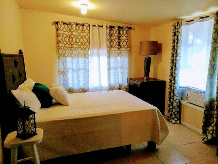 Suite in McAllen Comfortable Private Entry