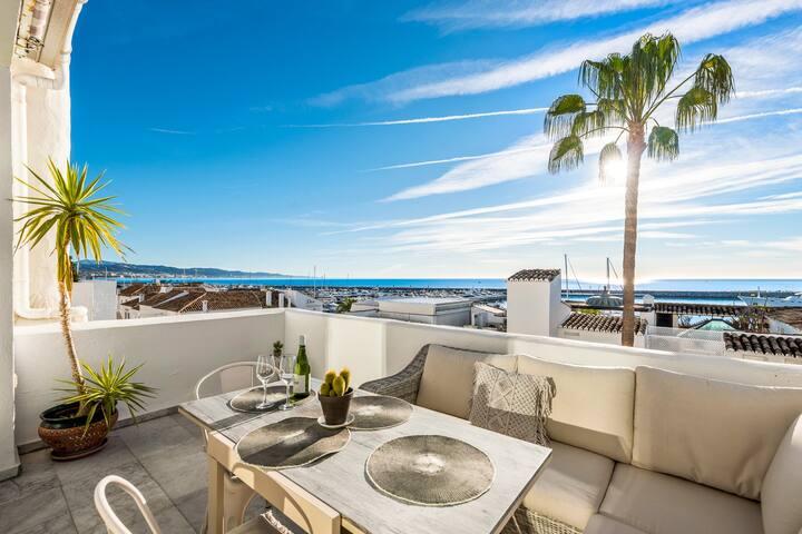 Prime Views! Designer Penthouse in Puerto Banus.