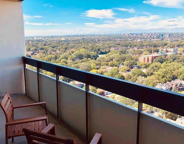 One Bedroom plus Den Panoramic View Toronto