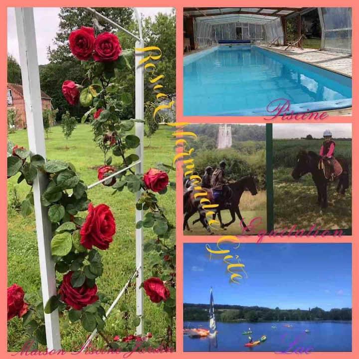 Gîte piscine23*7mcouvert privé chauff rivière parc