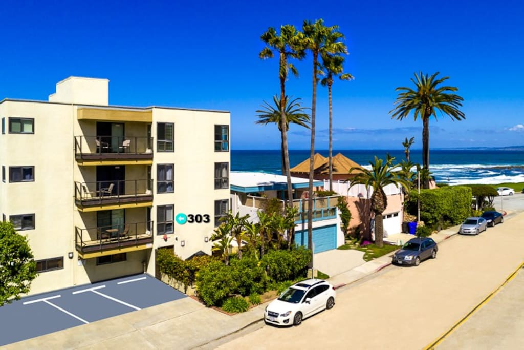 Just steps to the ocean in beautiful La Jolla.