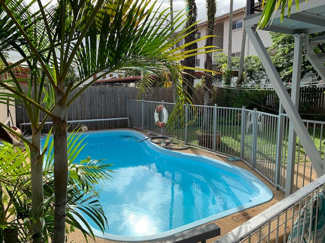 RumRunner 3, private AC room, close to city